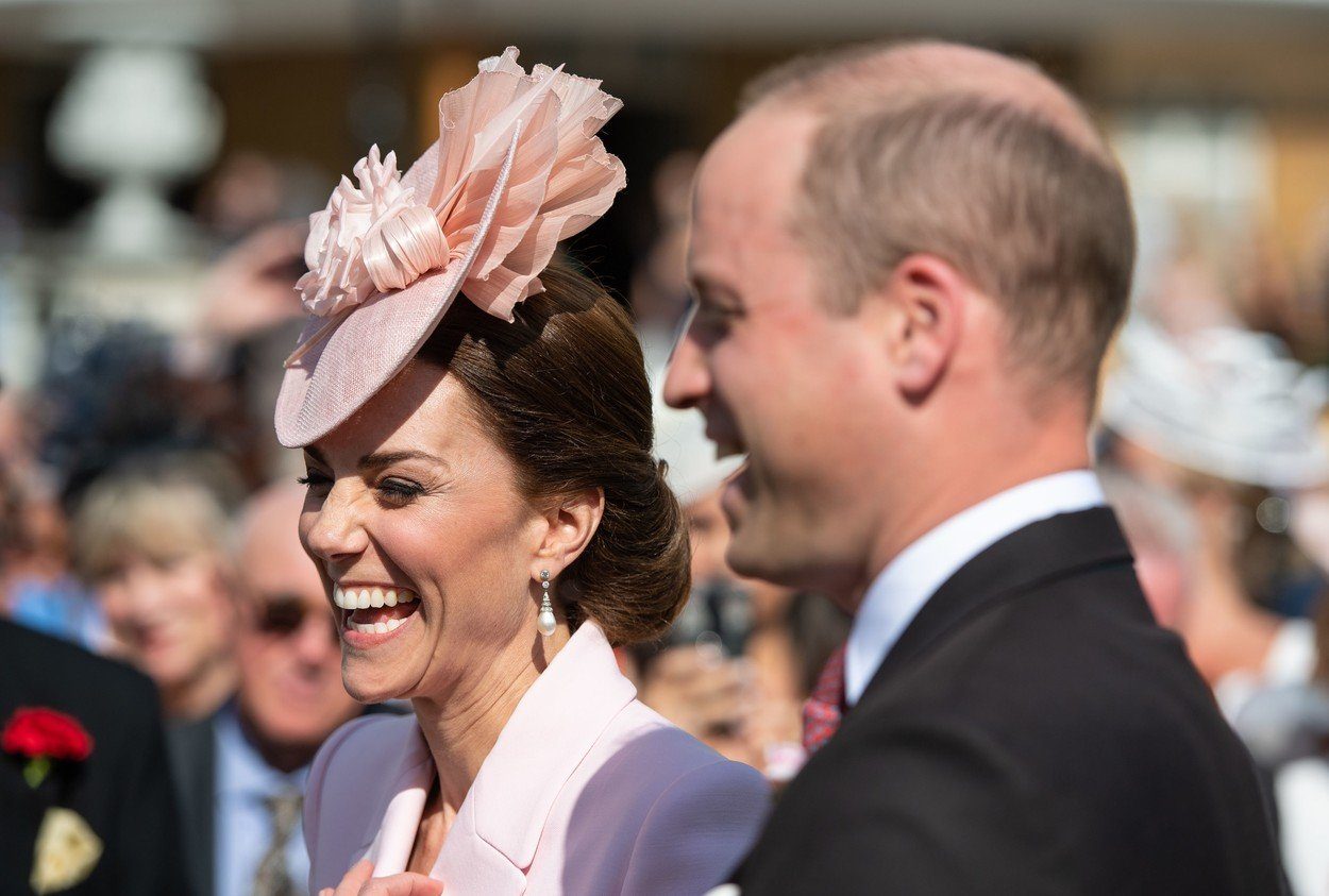 Kate Middleton, tratata cu raceala de Printul William