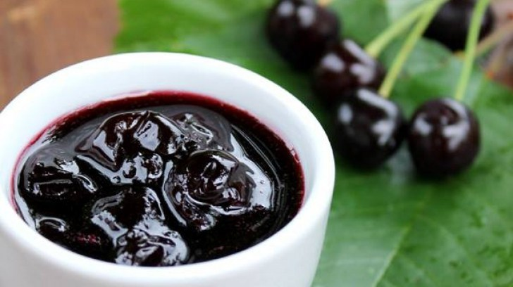 Reteta clasica de dulceata de cirese amare