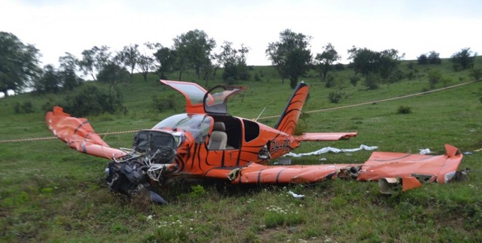 Un avion de mici dimensiuni s-a prabusit la Buzau