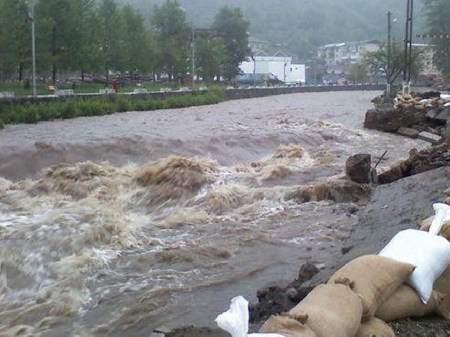 ATENȚIE! Cod portocaliu de inundaţii până luni