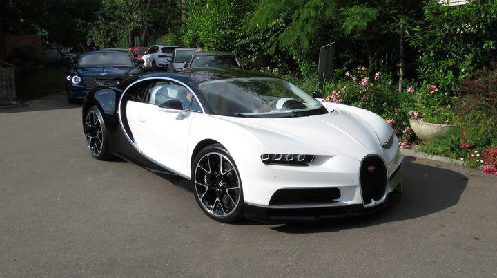Bugatti Chiron, surprins în Bucureşti. A cui e masina de 4 milioane de euro VIDEO