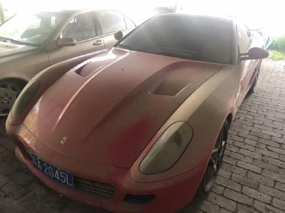 Cel mai ieftin Ferrari! Cat costa bolidul si de ce se vinde la un asemenea pret