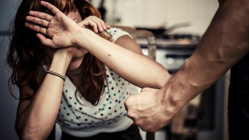 O romanca a fost agresata de un italian in varsta