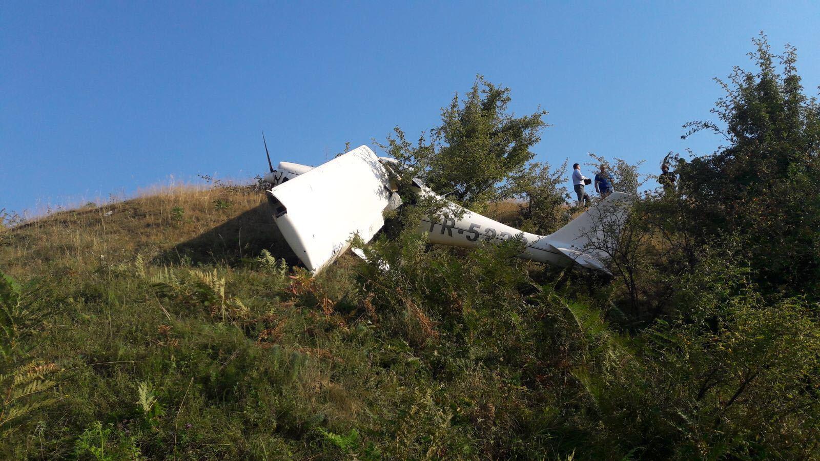 Un avion de mici dimensiuni a aterizat fortat in Harghita