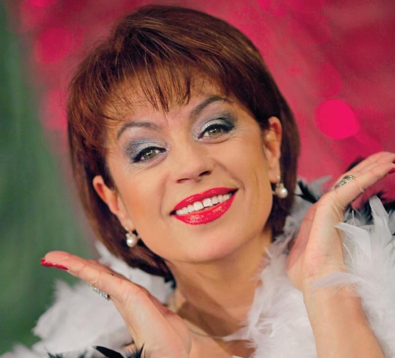Adriana Trandafir, complet schimbata la 62 de ani