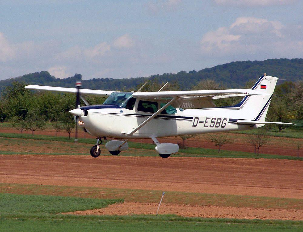 Avion fără pilot, lansat din Poligonul de trageri de la Capu Midia