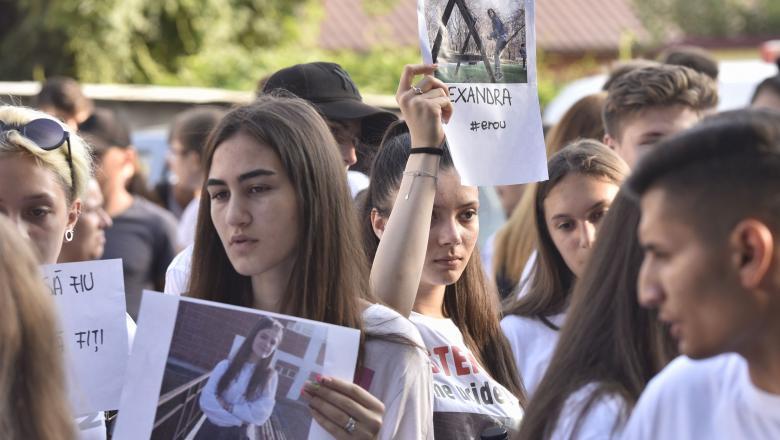 Colegii Alexandrei au protestat in fata Politiei