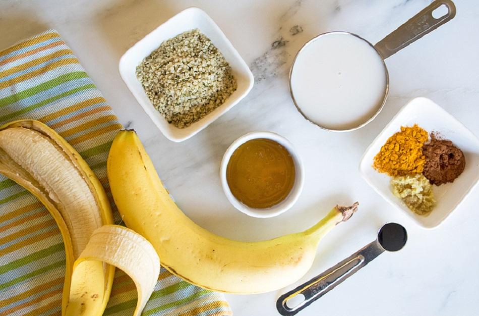 Smoothie de curatarea ficatului cu banane si curcuma