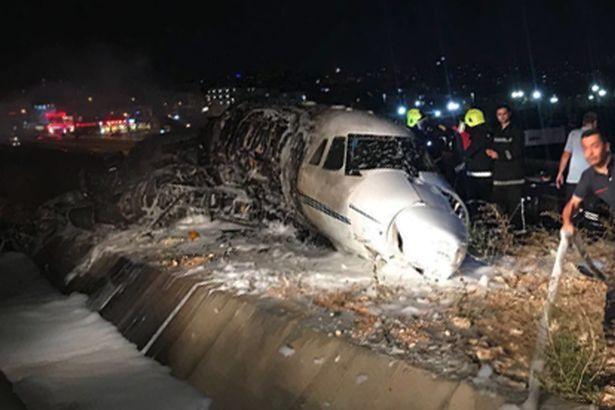 Zece morți în urma unui accident aviatic