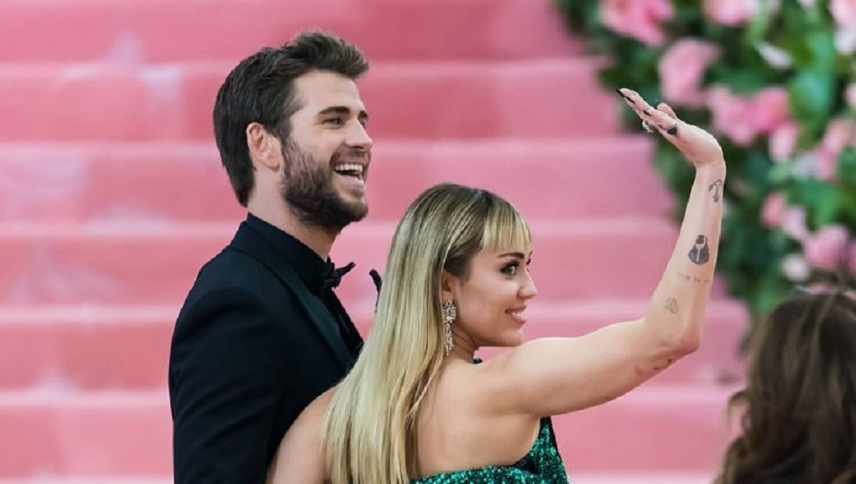 Liam Hemsworth i-a cerut divortul lui Miley Cyrus