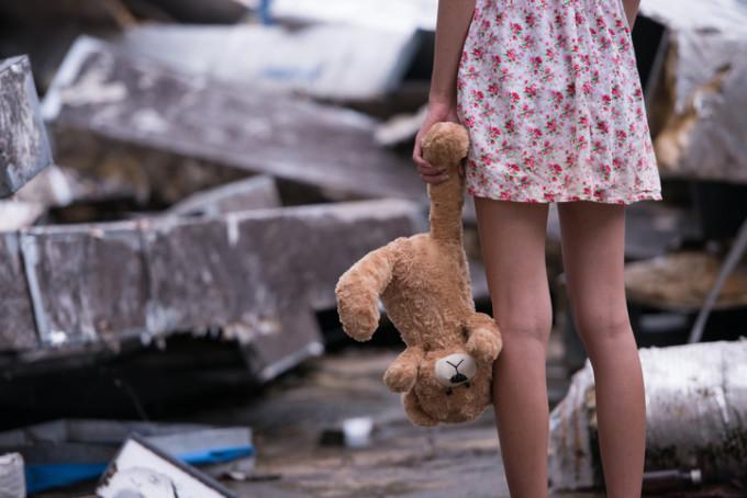O fetita de 5 ani a fost agresata sexual.