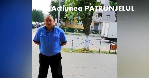 """Politisti locali, filmati in timp ce interogheaza o batrana care vinde patrunjel """"Ba, de ce faci poze"""""""