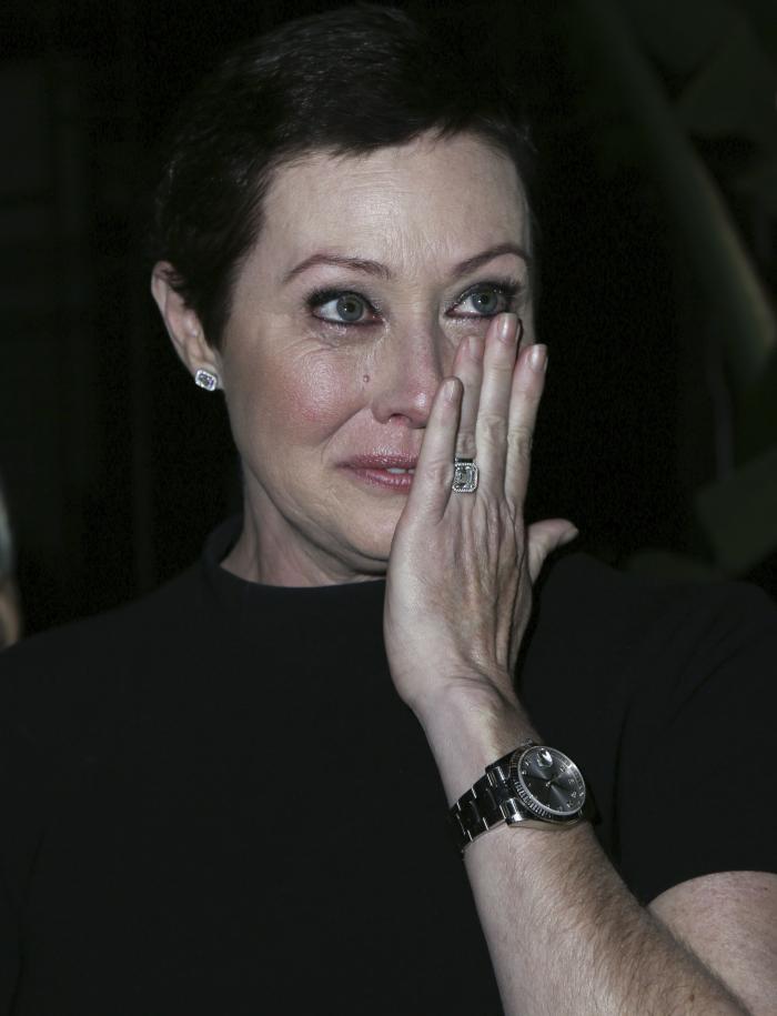 Brenda din Beverly Hills, macinata de cancer