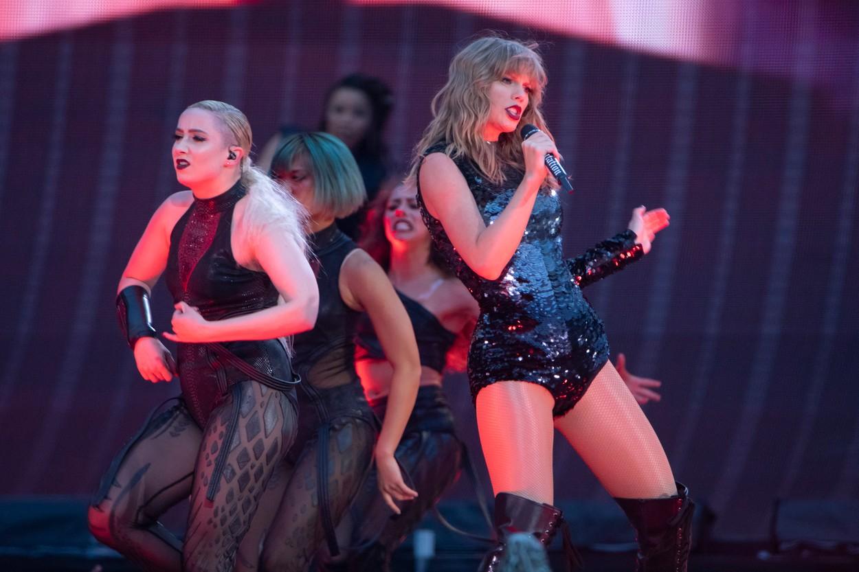 Taylor Swift este cântăreața cel mai bine plătită în 2019