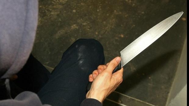 Tineri din Reșița atacați cu un cuțit