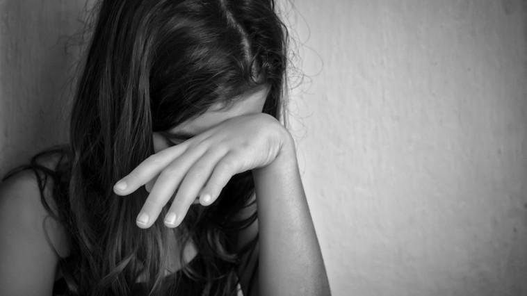 Un barbat a agresat-o sexual pe iubita amicului sau