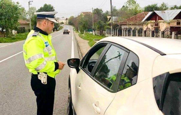 Dialog halucinant între un șofer și un polițist