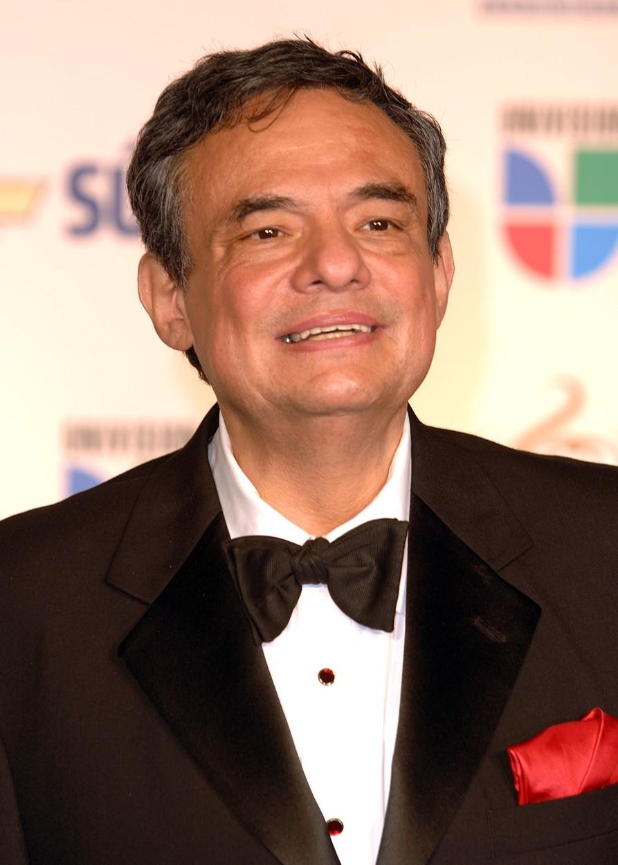 Cantaretul José José a murit