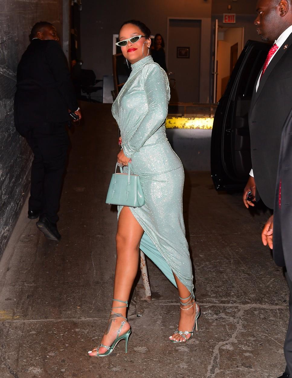 Show-ul de modă al Rihannei