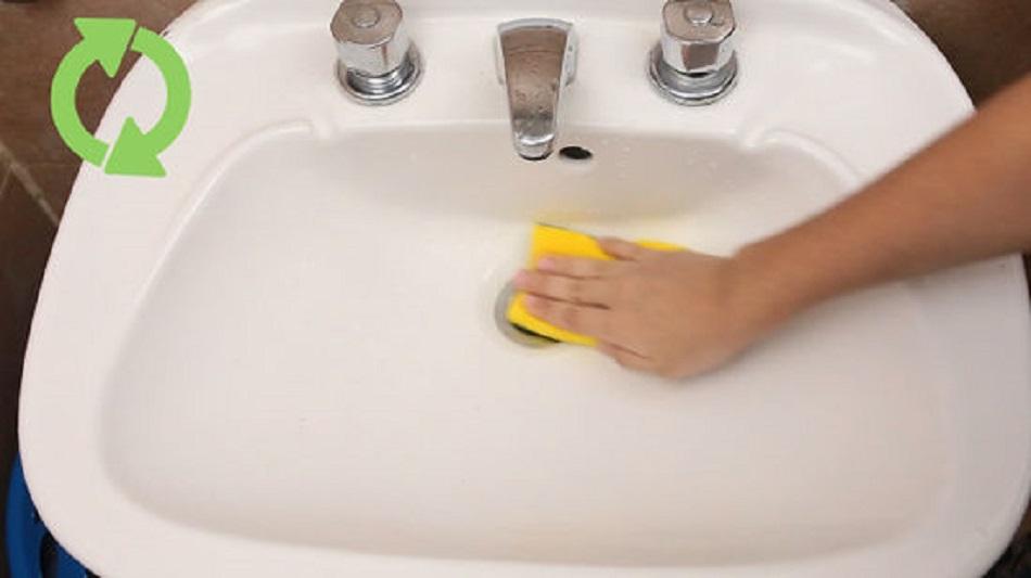 Solutie de casa pentru curatat baia! Se pregateste cu ingrediente pe care deja le ai