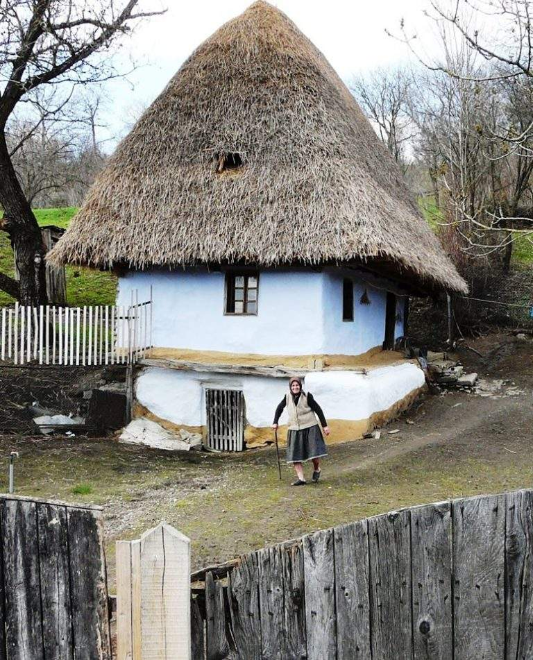 Batrana si casa ei monument istoric