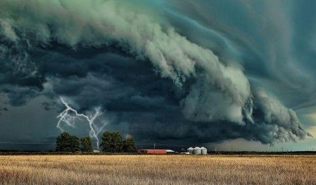 Un ciclon periculos se îndreapă către vestul Europei