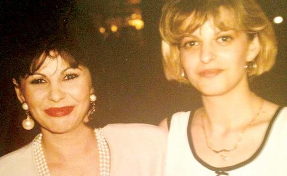 Elena Cârstea, alături de ofelia, una dintre surorile pe care le-a pierdut
